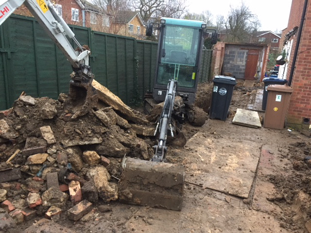 professional digger services in chigwell